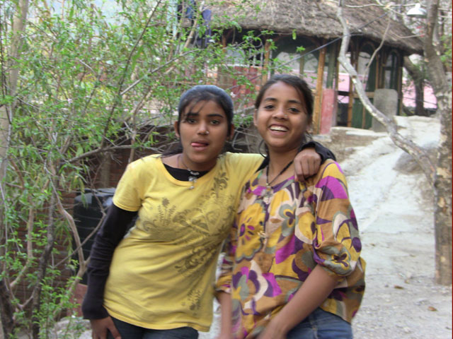 girls-at-Ramanas-Garden